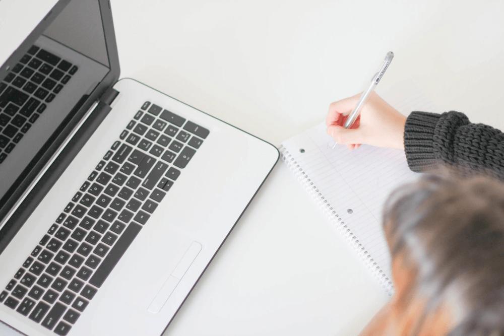 zelf schrijven of tekstschrijver